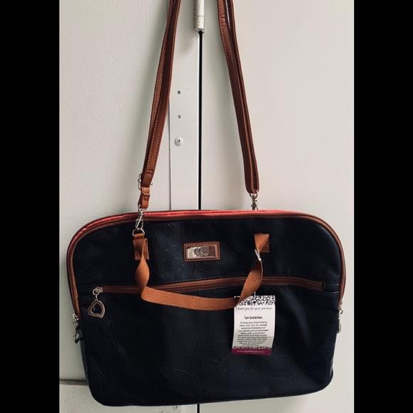 """gigi hill Handbags - Gigi hill imported """"jane"""" makeup bag"""